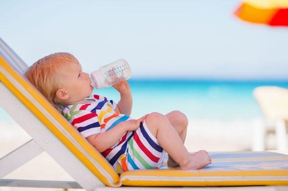 daa8f839f8f Βάζουμε αντιηλιακό σε μωρά κάτω των 6 μηνών;. Φροντίδα - Ασφάλεια