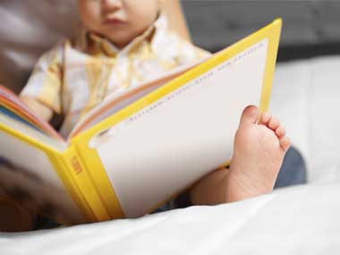 10-parents-reading-to-kids