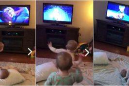 Δίδυμες 2 ετών παίζουν την αγαπημένη τους σκηνή από το Frozen! (video)
