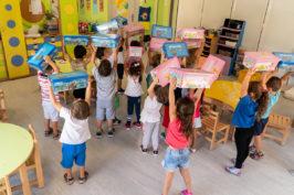Η PLAYMOBIL HELLAS προσφέρει παιχνίδια σε 100 παιδικούς σταθμούς στην Αττική