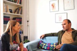 Βίντεο: Parents vs Couple. Γιατί αλλάζουν όλα όταν έρχεται το μωρό;